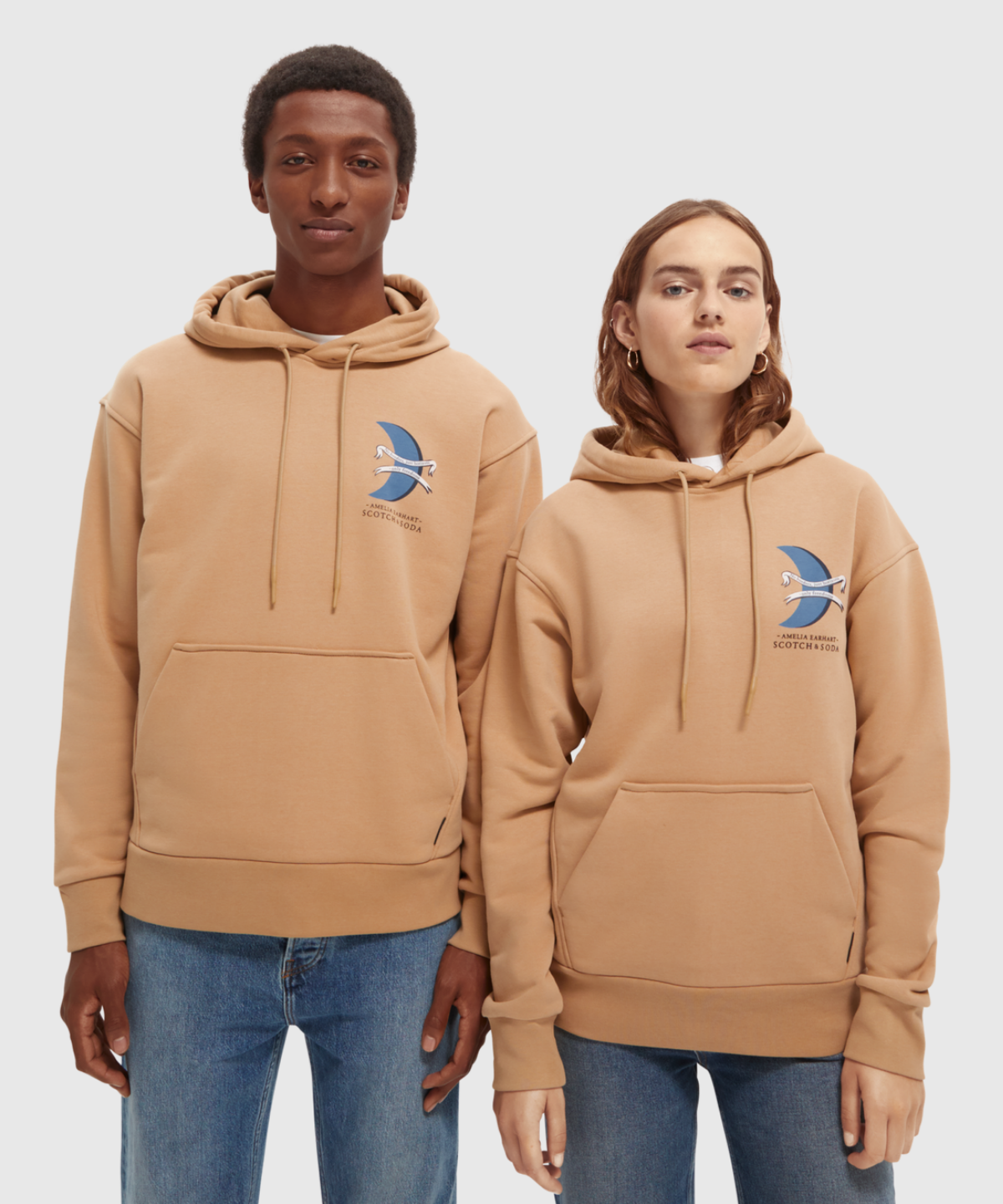 """Unisex – Hoody with """"Amelia"""" artwork contains Organic Cotton"""