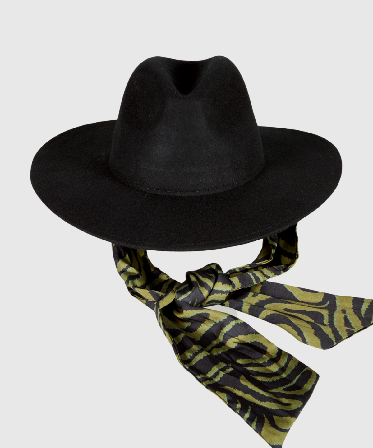 Wool hat with printed scarf